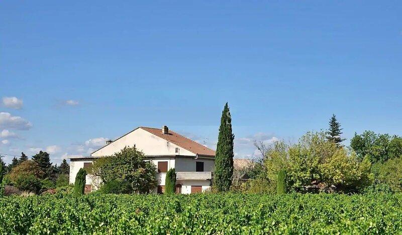 Domaine de l'Agapè - 350m² - 7 ch - 12/20 pers - piscine, casa vacanza a Sainte-Cecile-les-Vignes