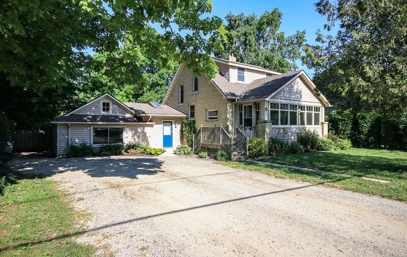 � Main Street Retreat�lovely heritage cottage steps from restaurants�, holiday rental in Huron County