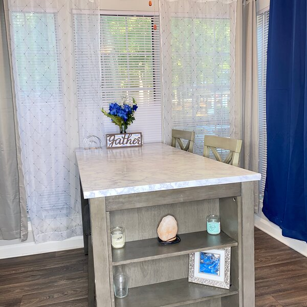 Clean comfortable & Cozy Blue House, holiday rental in Ellenwood
