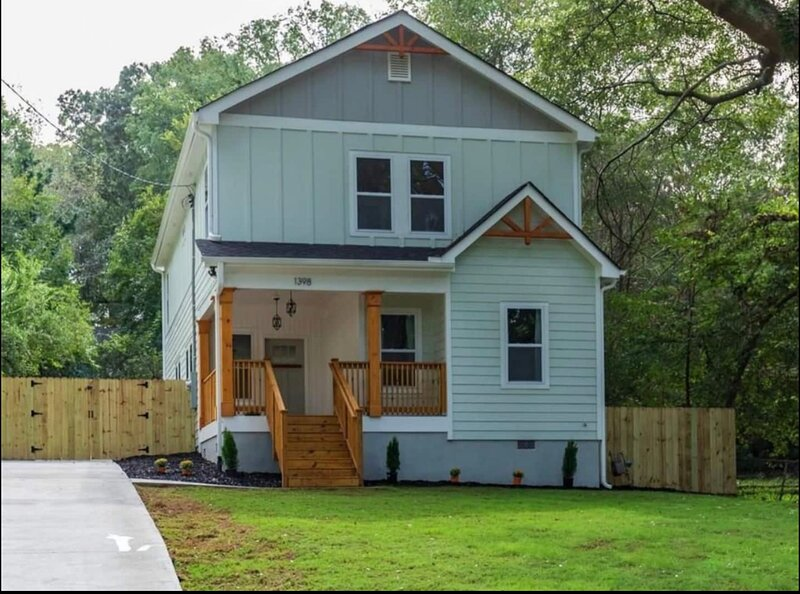 Cozy Modern Home minutes from Airport and Downtown, holiday rental in Hapeville