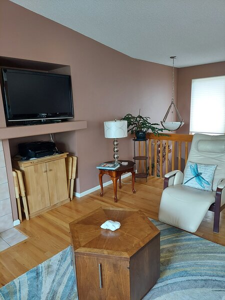 The Treehouse, Quiet 2B2B Condo with indoor Swing, holiday rental in Broomfield