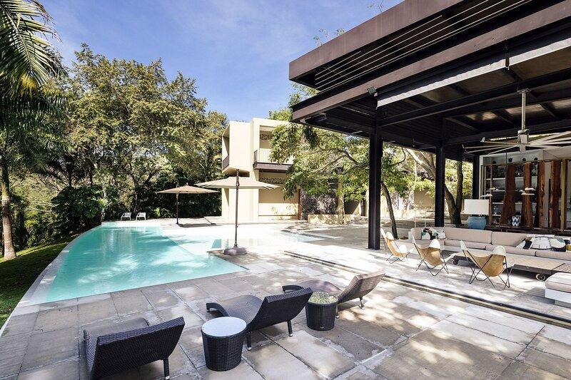 Anp016 - Stunning villa with pool in Mesa de Yeguas, location de vacances à Silvania
