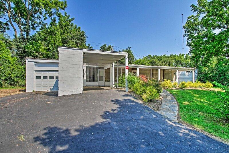 NEW! Single-Story Lafayette Hill House w/ Patio!, holiday rental in Bryn Mawr