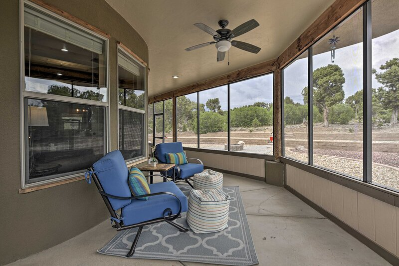 NEW! Luxe 5-Acre Mancos Home, ~ 1 Mi to Mesa Verde, holiday rental in Mancos