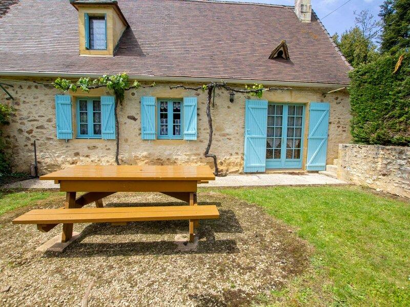 Location Gîte Saint-Avit-Rivière, 3 pièces, 4 personnes, holiday rental in Sainte Croix