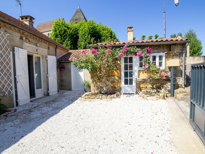 La Maison du Petit Forgeron, holiday rental in Veyrignac