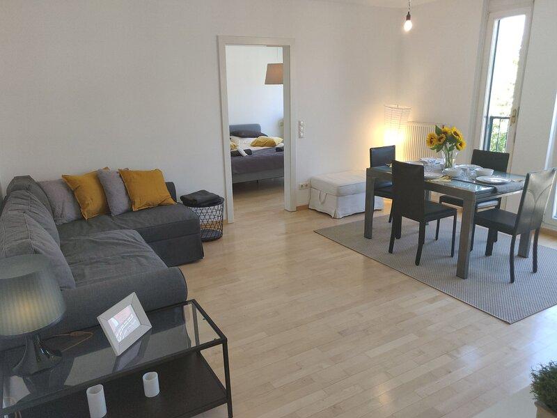 City break apartment at the foot of Vienna hills, holiday rental in Koenigstetten