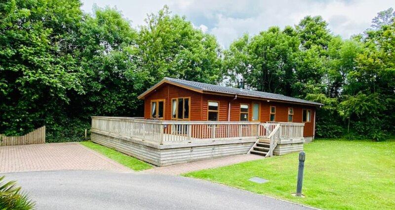 Mariners' Lodge: an idyllic holiday retreat nr Polzeath & Rock', holiday rental in St Minver