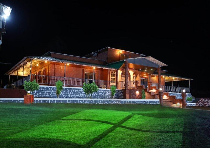 WOW VILLA 143, alquiler de vacaciones en Mahabaleshwar