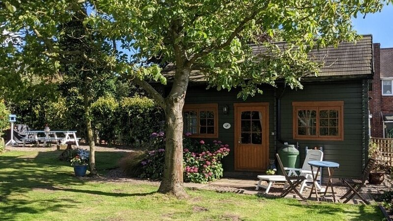Cosy Cottage with beautiful garden in Shrewsbury, vakantiewoning in Upper Battlefield