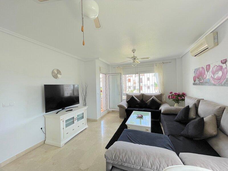 Ground Floor apartment Pau-8 Villamartin – semesterbostad i Orihuela