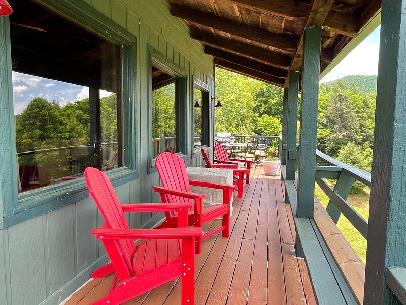 Longview Lodge at Sky Valley Resort, holiday rental in Mountain Rest
