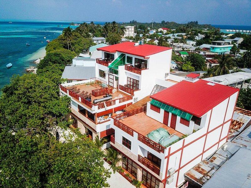 Marina Bay Retreat & Spa Deluxe Double sea veiw, holiday rental in Fulidhoo