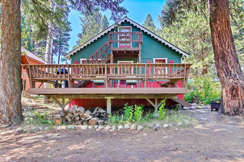 Mccall's Little Rustic Cabin Retreat, aluguéis de temporada em Tamarack