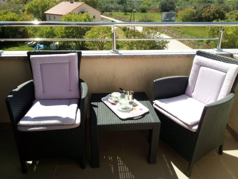 Relaxing apartment with beautiful sunsets near Fažana - Vodnjan, holiday rental in Vodnjan