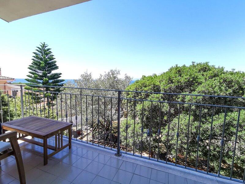 Appartamento a Capitana, 4 posti letto, panorama, holiday rental in Terra Mala