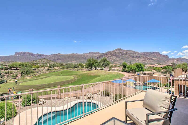 NEW! Gold Canyon Golfer's Getaway w/ Pool & Views!, holiday rental in Gold Canyon
