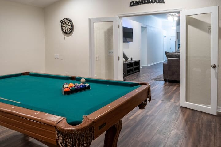 Lakeside Village Retreat| Longterm Stay| Gameroom, holiday rental in Bartow