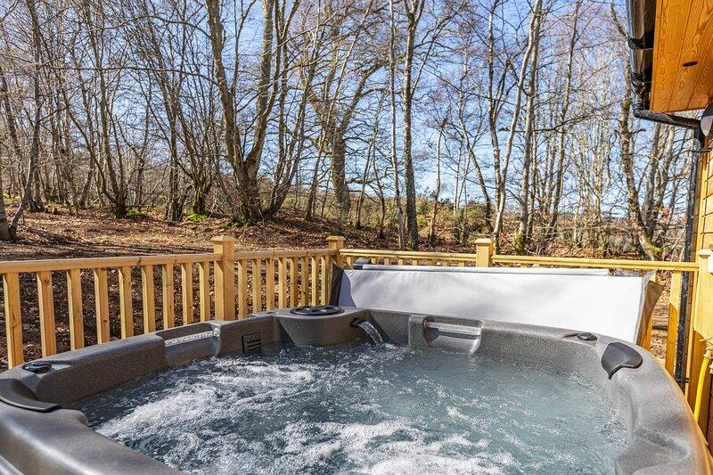 Monarch Lodge 13 with Hot Tub, aluguéis de temporada em Lochend