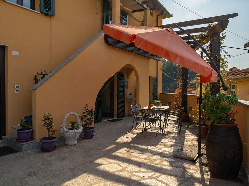 A Ca de Alida (VDE200), holiday rental in Cisano sul Neva
