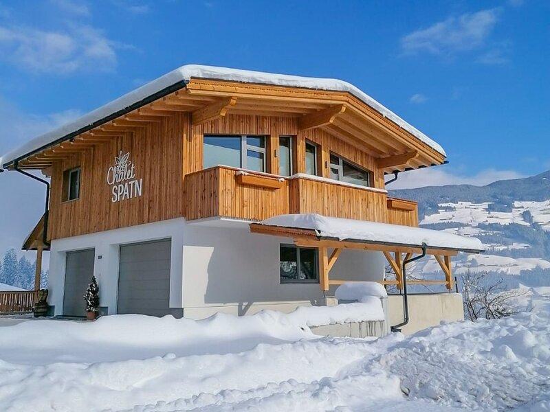 Chalet Spatn (FGZ138), casa vacanza a Wiesing
