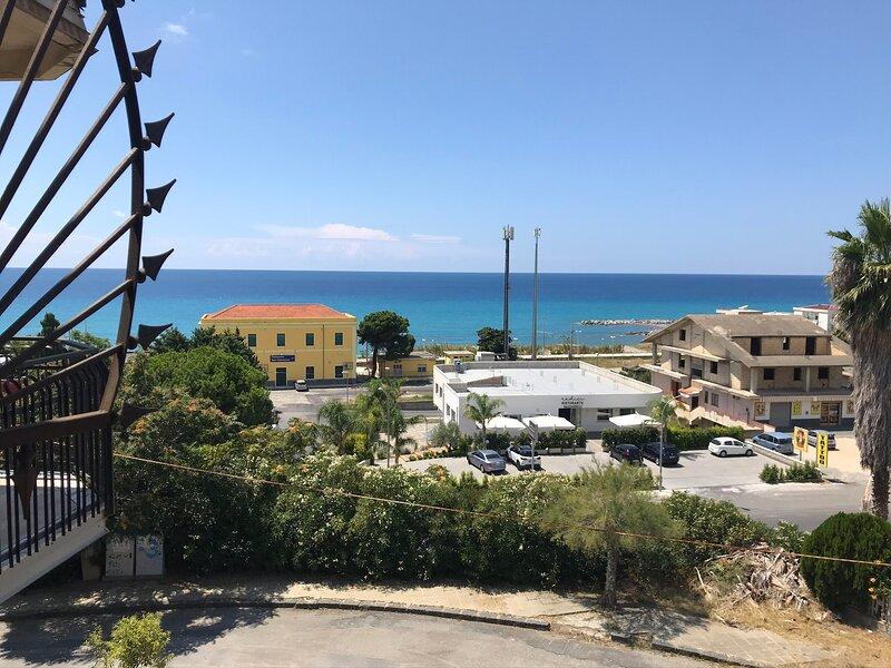 magic living home, casa vacanza a Villaggio del Golfo