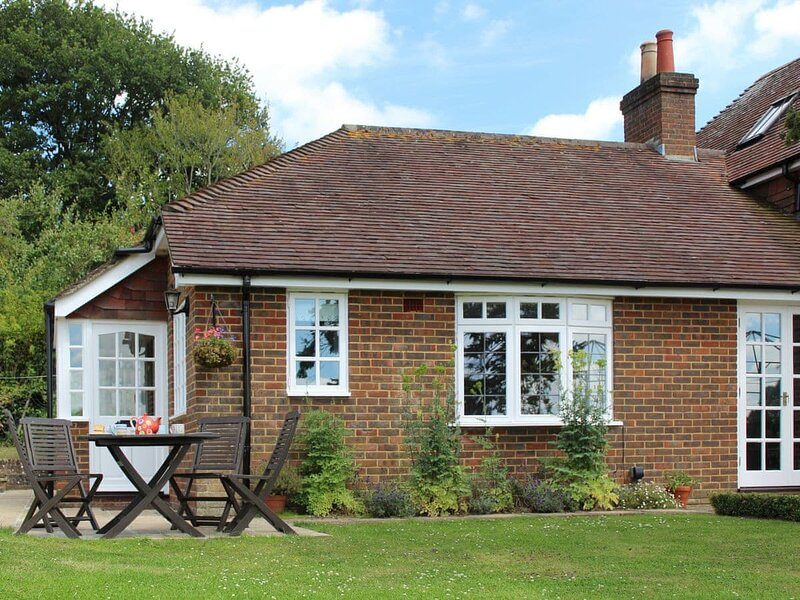 Castle House Cottage, holiday rental in Verwood