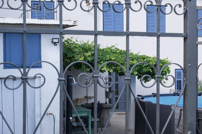 Stone House With Private Yard And Pool Near Crikvenica, location de vacances à Tribalj