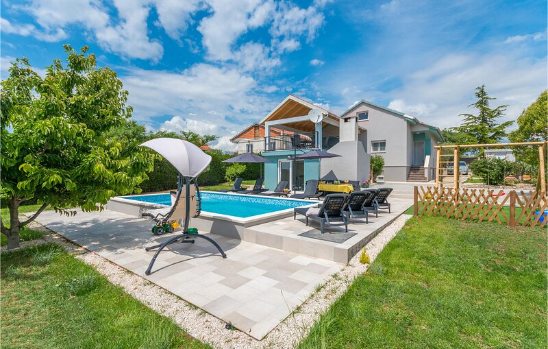 Nice home in Gorica with Outdoor swimming pool and 4 Bedrooms (CDA835), holiday rental in Donje Raštane