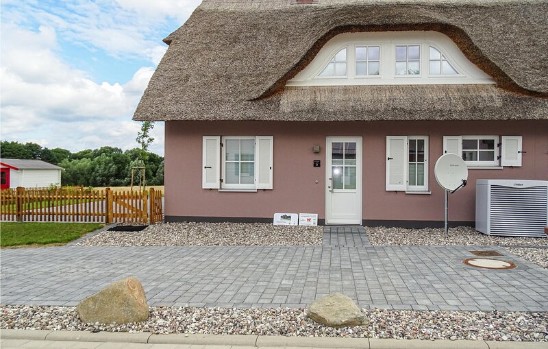 Beautiful home in Boiensdorf with Sauna, WiFi and 2 Bedrooms (DMK871), vacation rental in Blowatz