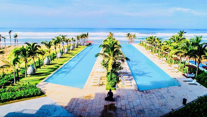 VELERA DIAMANTE J a pie de Playa, holiday rental in El Marques