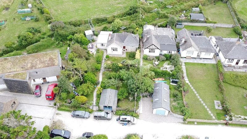 Seagulls 2 bedroom Holiday Cottage with private gardens, alquiler vacacional en Porthcothan