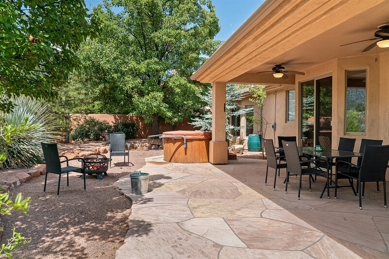 Lovely Home with Hot Tub Located in the Sedona Golf Resort Community - S014, vacation rental in Village of Oak Creek