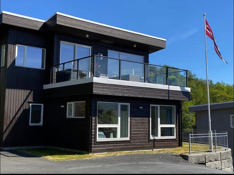 Ebbesvikneset - Idyll by the sea - Magical view, aluguéis de temporada em Steinsland