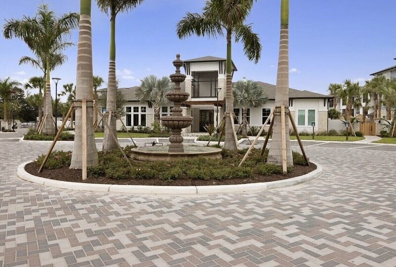 Gated Community with Resort Style Living, holiday rental in Fruitville