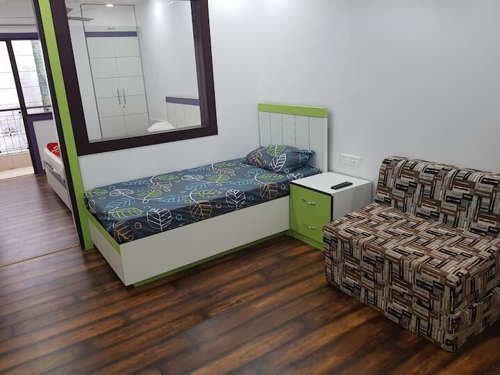Entire Apartment near ITO metro with pvt kitchen, holiday rental in Ghaziabad