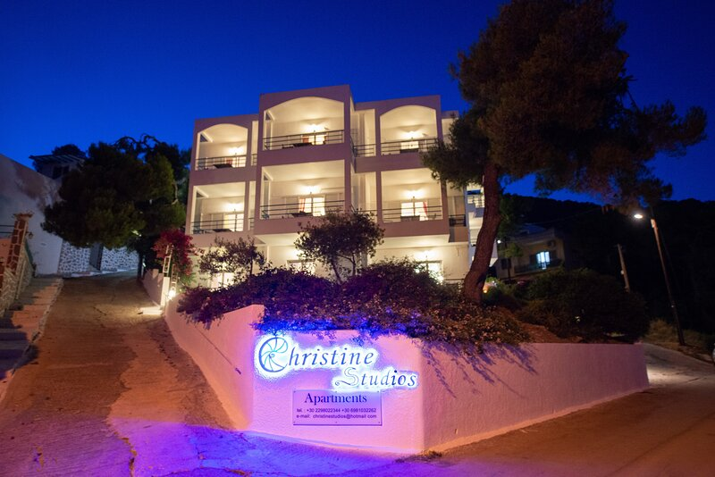 Christine Studios, holiday rental in Poros