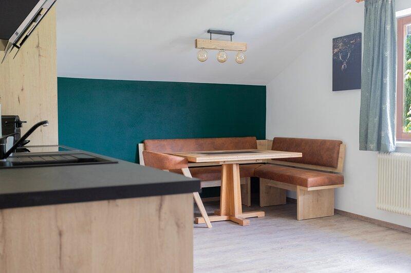Haus Hoen - Appartement Mirnock, location de vacances à Dobriach