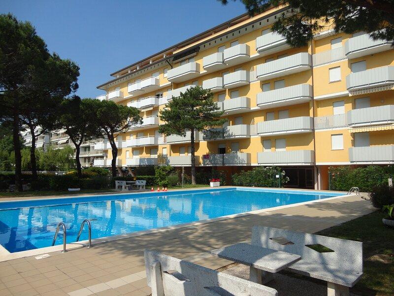 Beautiful Apartment With Pool And Garden, location de vacances à Porto Santa Margherita
