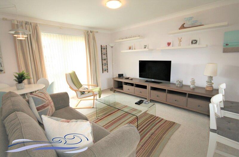 One Bedroom Apartment - Argonaut House, location de vacances à Port Talbot