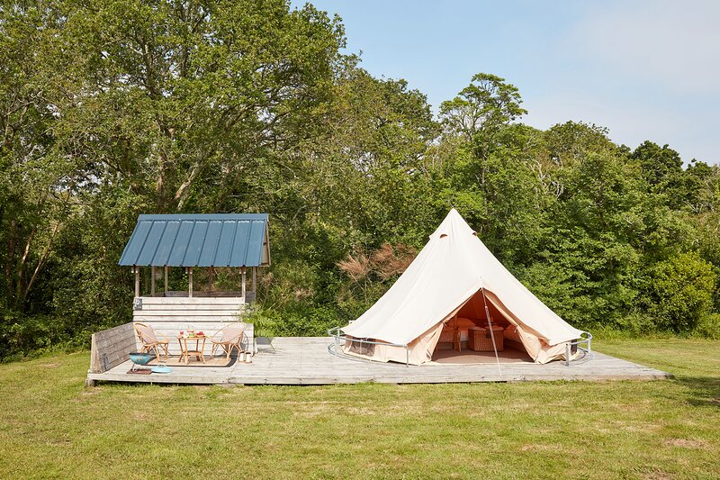 Bell tent by the beach, vacation rental in Beg-Meil