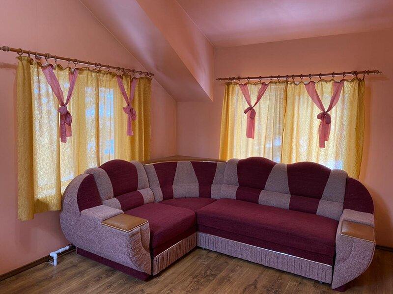 Дом в лесной тишине с видом на Ангару, holiday rental in Krasnoyarsk Krai