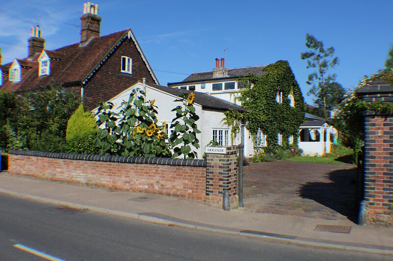 Moleside Cottage (8 mins to mainline station to London), holiday rental in Frittenden