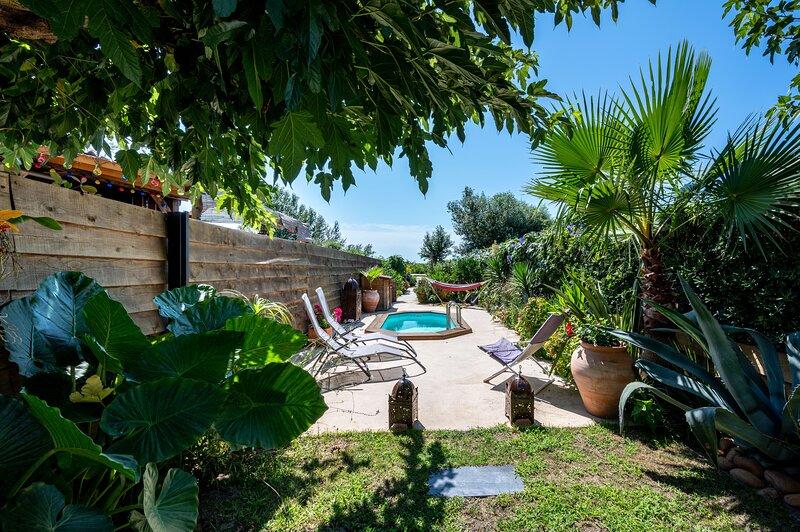 L'Équateur - Piscine privée et jardin, holiday rental in Montcalm