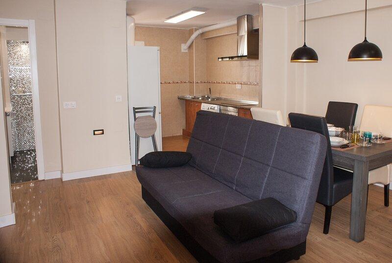 Apartamentos Turisticos STAY TOLETVM, vacation rental in Olias del Rey