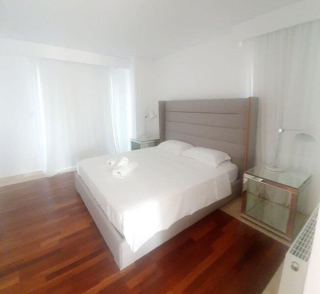 Holiday villa with 3 bedrooms in Paphos,Peyia, alquiler vacacional en Lara