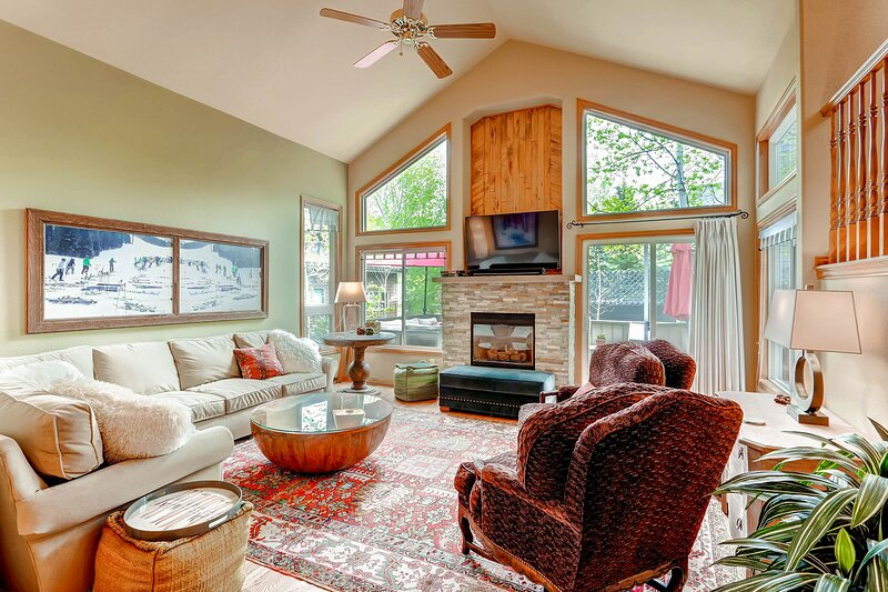 Best Location Eagle-Vail, A/C, Great for 2 Families/Groups -Spacious Home, casa vacanza a Eagle-Vail