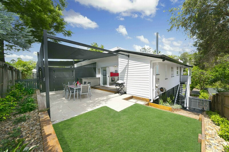 Auchenflower Townhouse. 2 ensuited bedrooms, 2 sleep outs. Pets., holiday rental in Ipswich