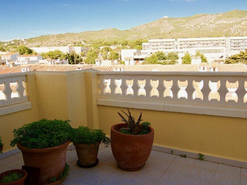 Alborada atico 6+2p., holiday rental in La Salzadella