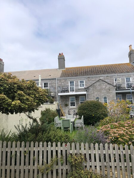 Beautiful Sea Front Cottage in the Ocean City, holiday rental in Torpoint